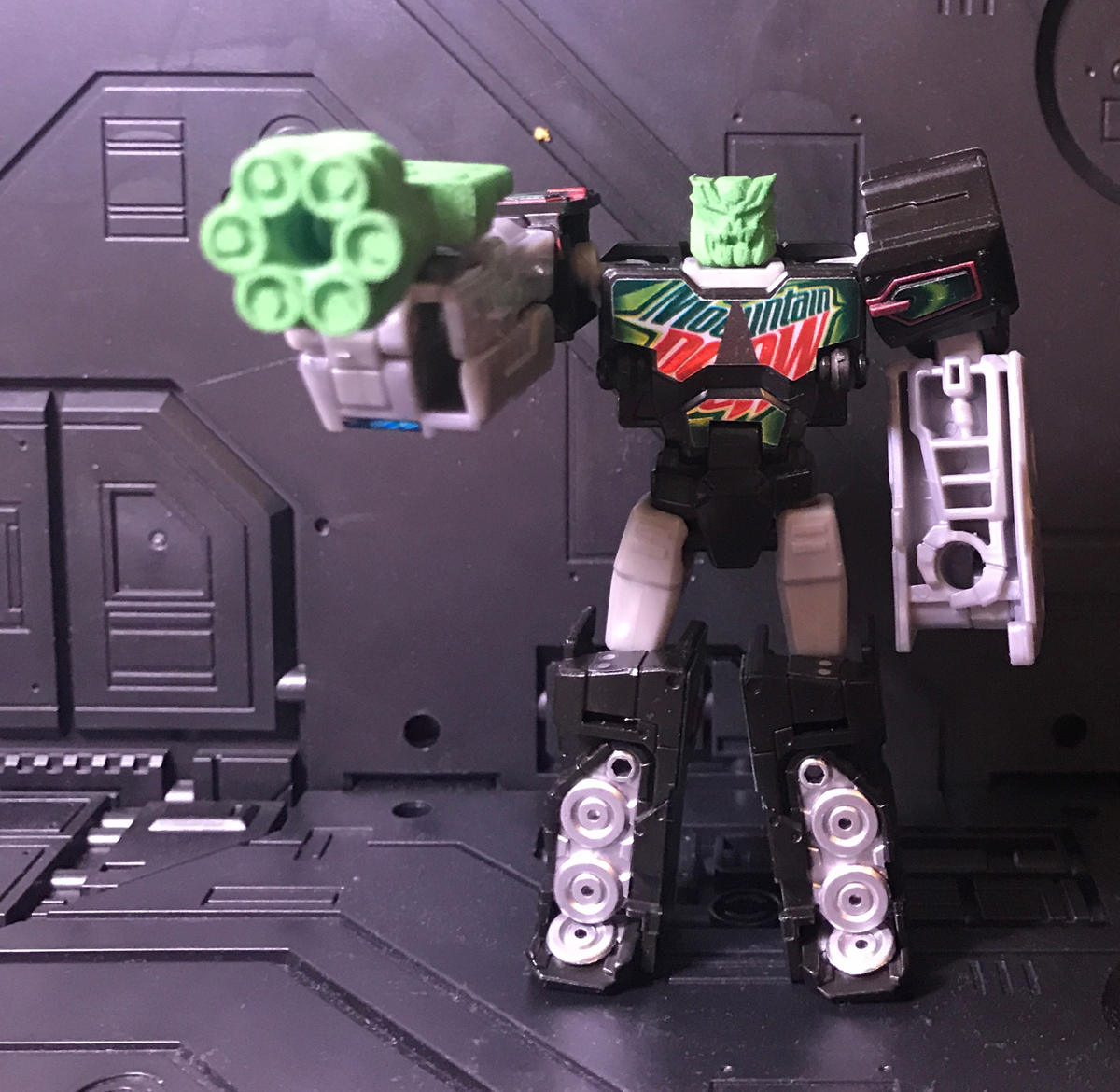 Dewbot with Head & Gun