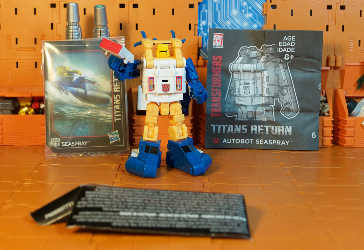 Titans Return Seaspray package content
