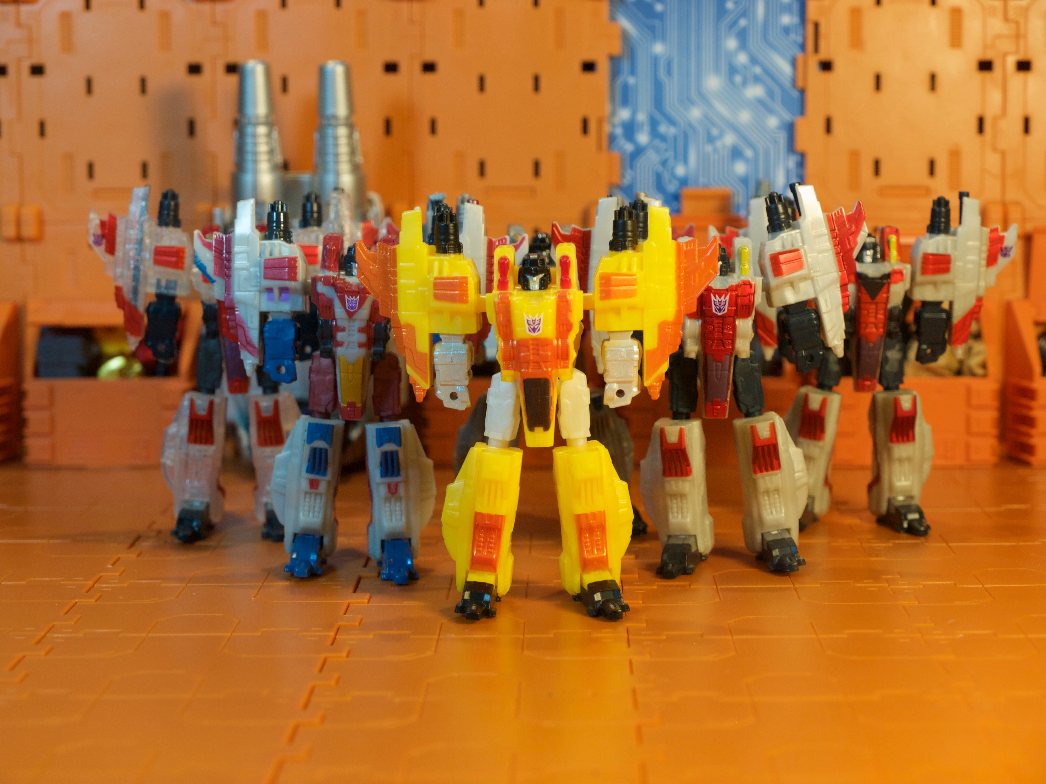 Sunstorm backed with Starscreams