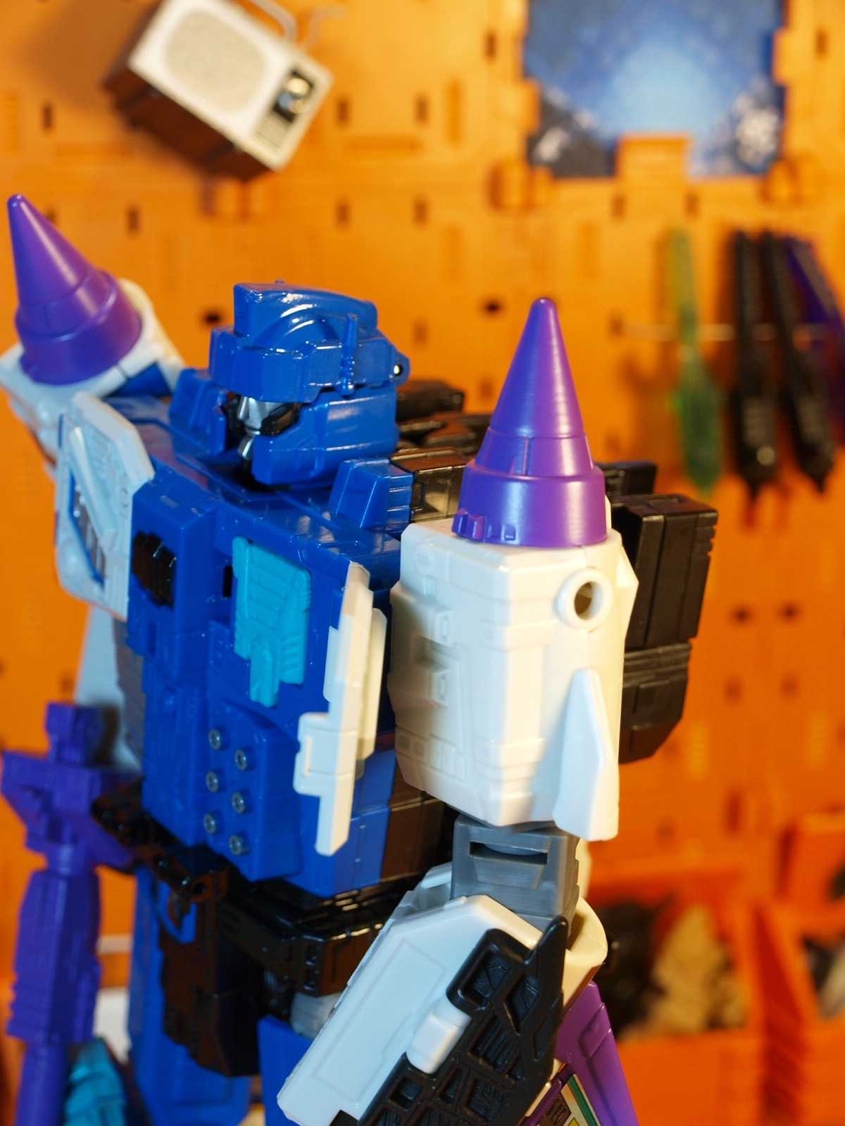 Overlord with Prime Master plug - close