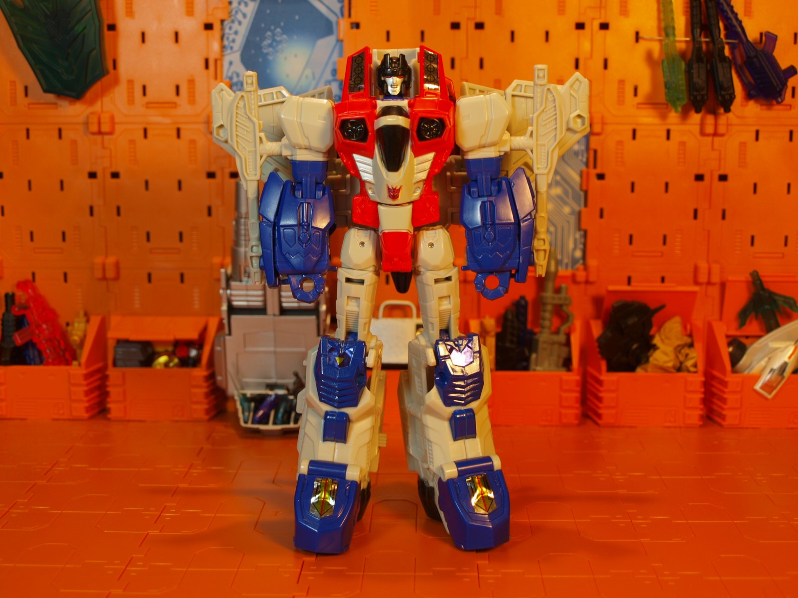 Starscream robot mode