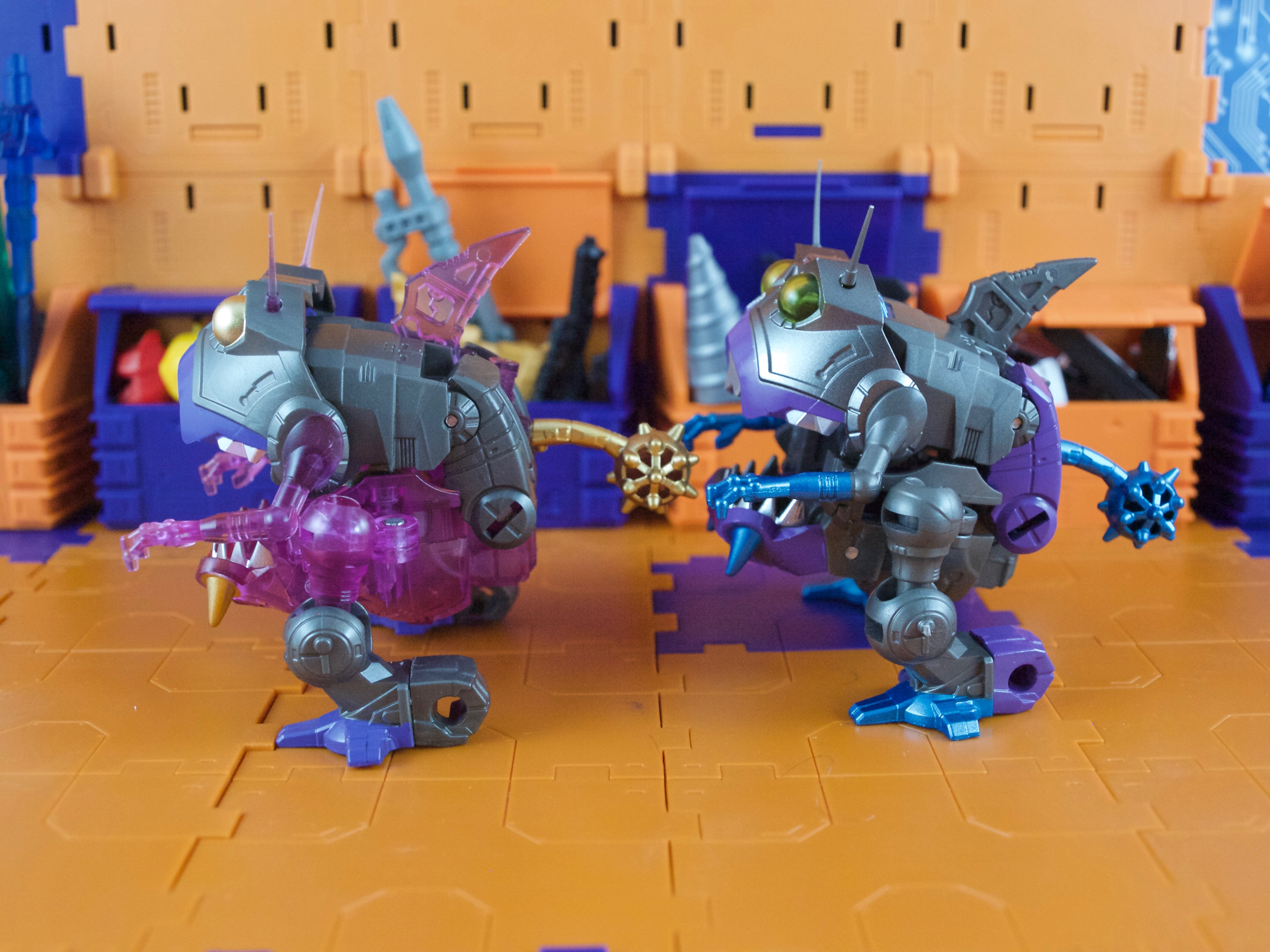 Sharktticons se beast mode side view comparison