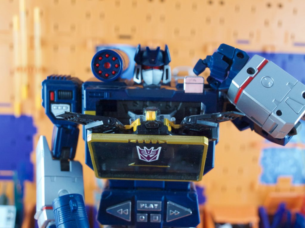 Soundwave launching Buzzsaw