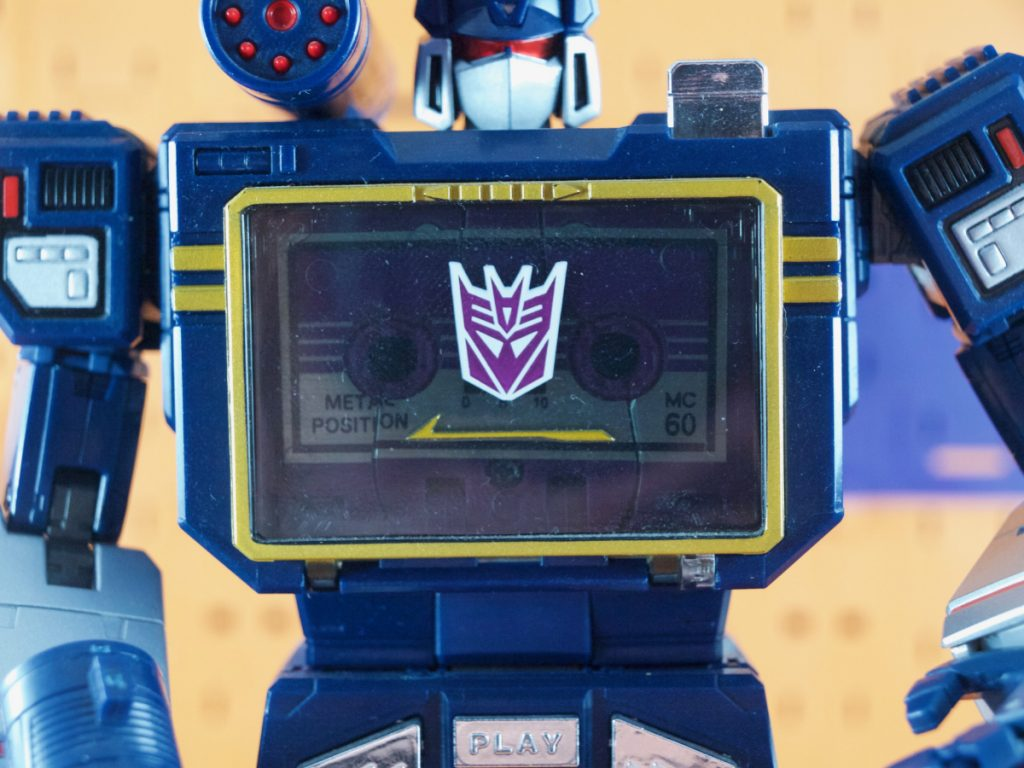 Soundwave with Ratbat in his deck