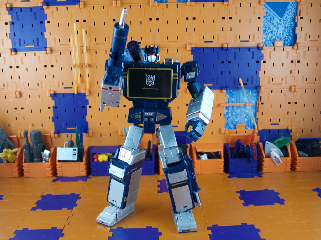 Soundwave robot mode