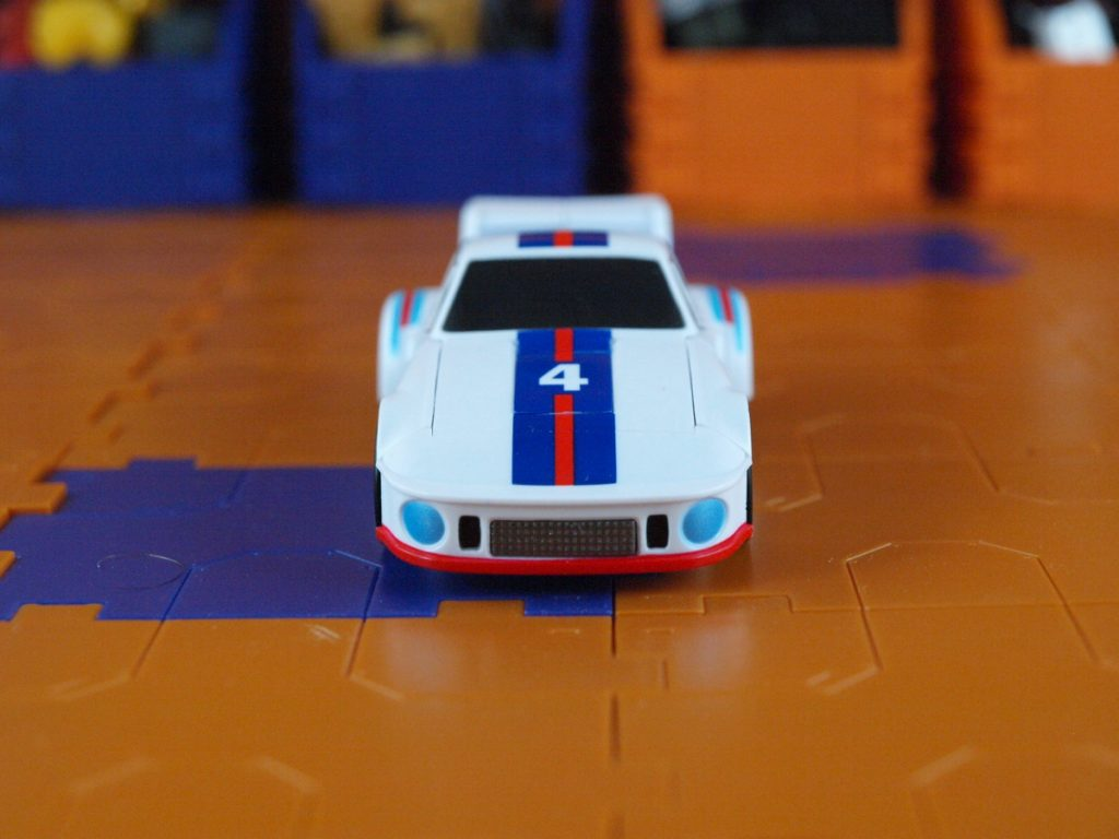 Manero vehicle mode front