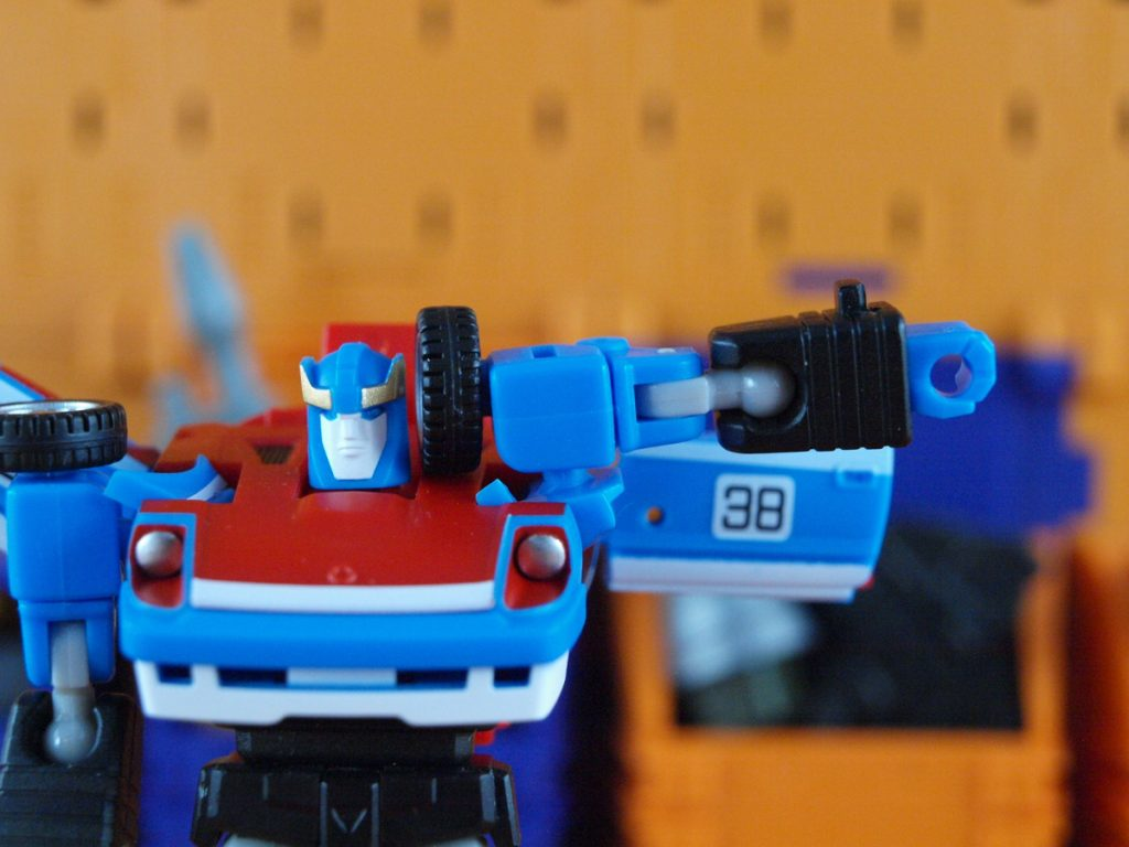 Maverick robot mode shoulder articulation