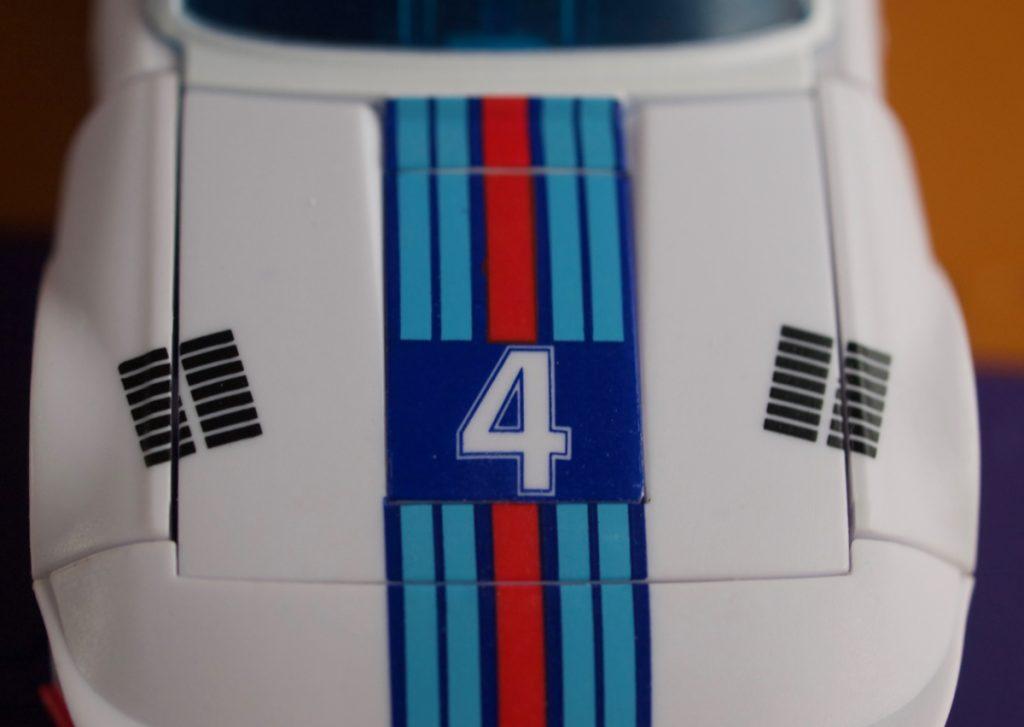 Maneros vehicle mode hood details