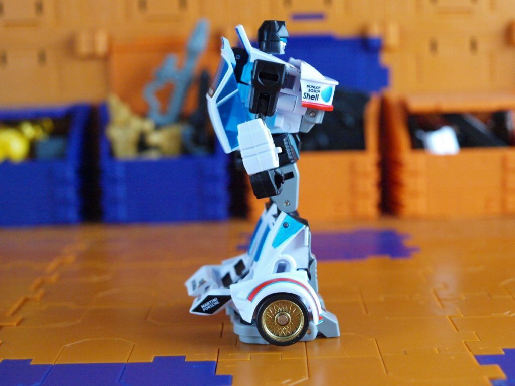 Manero EX robot mode